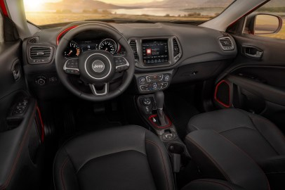 Jeep® Compass Trailhawk interior
