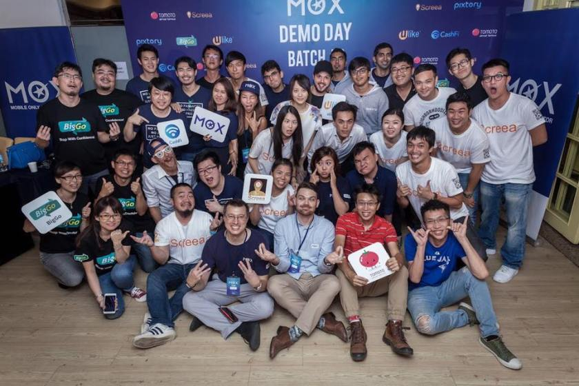 The Mobile Only Accelerator or MOX's Batch 3 startups. Jakko Lai is in red, second from right in the front. Image credit: MOX