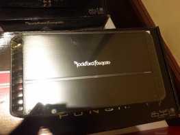 Rockford Fosgate P1000X5 class-BD amplifier