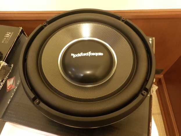 Rockford fosgate T1 S2-12 subwoofer Power series