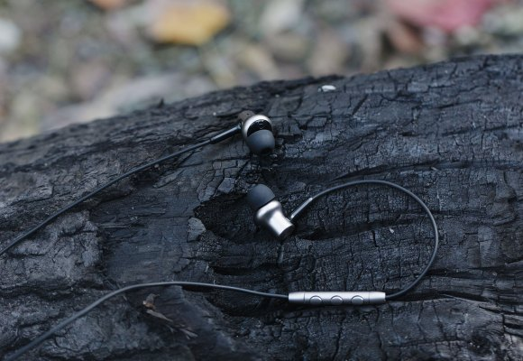 Mi In-Ear Headphones Pro HD (2)