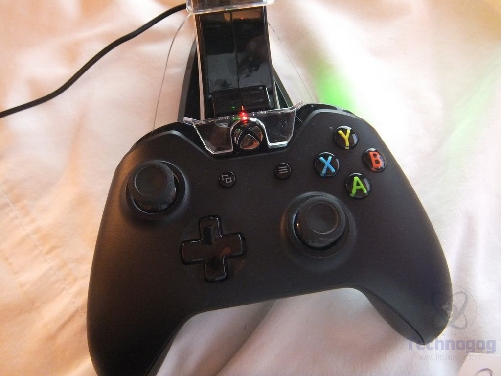 Review Of Arc Charger Xbox One Wireless Controller Charger Technogog