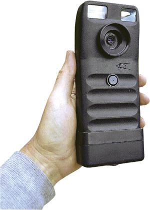 Первый полноценный «цифровик» Dycam Model 1