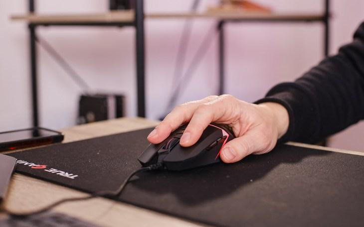 Обзор Bloody W60 Max: доступная геймерская мышь с RGB