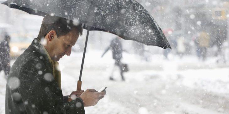 Почему iPhone отключается на морозе и как этого избежать
