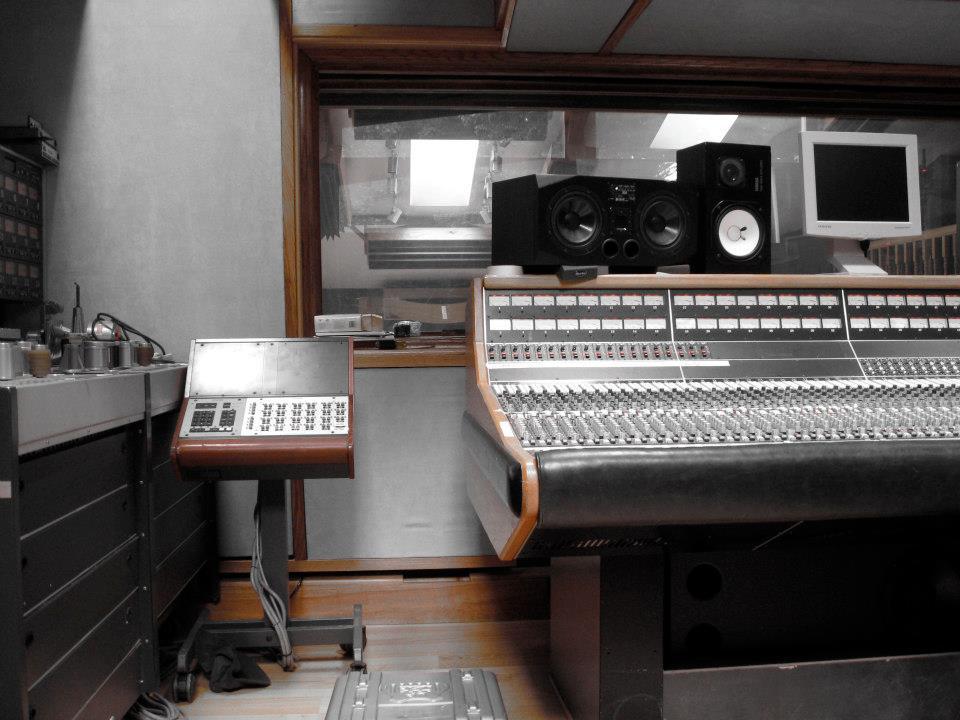 Studer A800 dans studio analogique