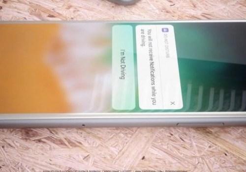 आईफोन ८ मा ट्रू टोन ओएलईडी डिस्प्ले, ३ जीबीको र्याम र थ्रीडी सेन्सर राखिने
