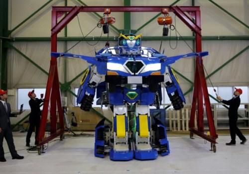 कार बनाएर चलाउन मिल्ने रोबोट यस्तो छ, मानिस पनि बोक्नसक्ने (भिडियोसहित)