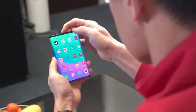 साओमीको फोल्डेबल फोन सामसंग ग्यालेक्सी फोल्ड भन्दा आधा सस्तो