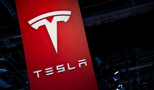 टेस्ला इंकका लगानीकर्ताले एकै दिन ५० अर्ब डलर गुमाए