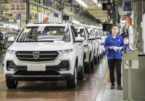 चीनमा कार बिक्री दरमा यस वर्ष कमी, ईलेक्ट्रिक भेहिकलको बिक्रीमा भने उल्लेख्य वृद्धि