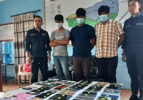 चोरीका मोबाइल बिक्री गर्ने ३ जना पक्राउ, बरामद मोबाइलको बजार मूल्य करिब १२ लाख रुपैयाँ