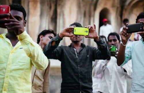 मोबाइल फोनमा कर बढेपछि भारतीय बजारमा सबै मोबाइल फोनको मूल्य बढ्यो