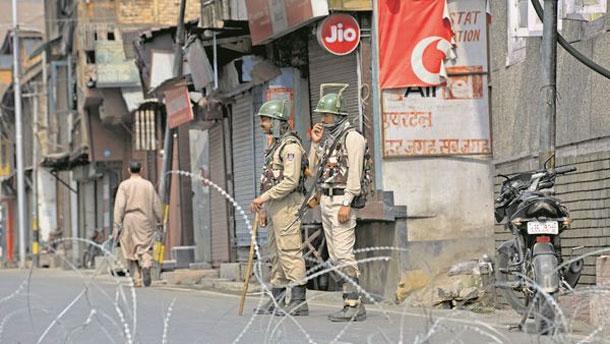 भारतको जम्मू तथा कश्मीरमा मोबाइल सेवा प्रतिबन्धको ७० दिनपछि सेवा सुचारु