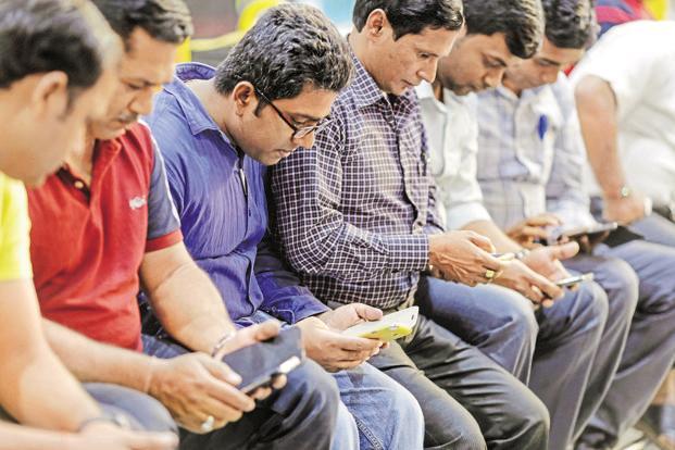 लकडाउनमा बस्दा मोबाइलको डाटा कम भयो ? यी उपाय अपनाएर धेरै समय इन्टरनेट चलाउनुस्