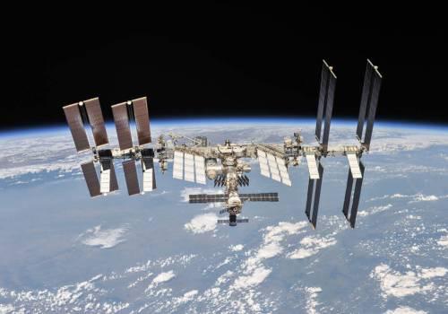 अन्तर्राष्ट्रिय अन्तरिक्ष स्टेशनमा फिल्म सुटिङ्ग गर्न दिईने, नासा टम क्रूजसँग छलफल गर्दै