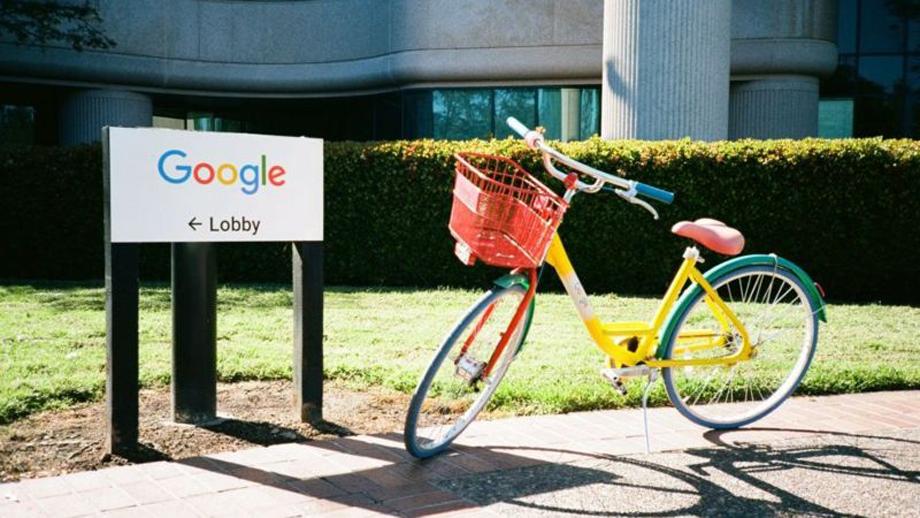 गूगलको कार्बन फुटप्रिन्ट शून्य, आगामी १० वर्षमा डाटा सेन्टर र कार्यालयहरू कार्बनमुक्त उर्जामा