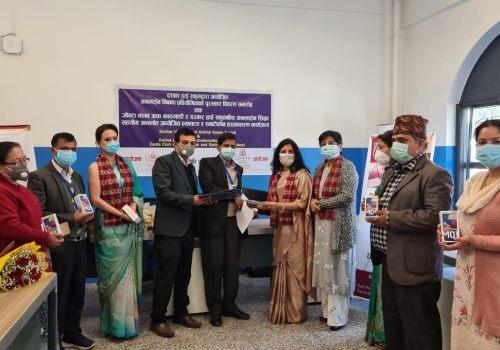 जोन्टा क्लब काठमाडौंले दरबार स्कूललाई मोबाइल र ल्यापटप दियो, अनलाइन शिक्षामा समर्थन गर्दै