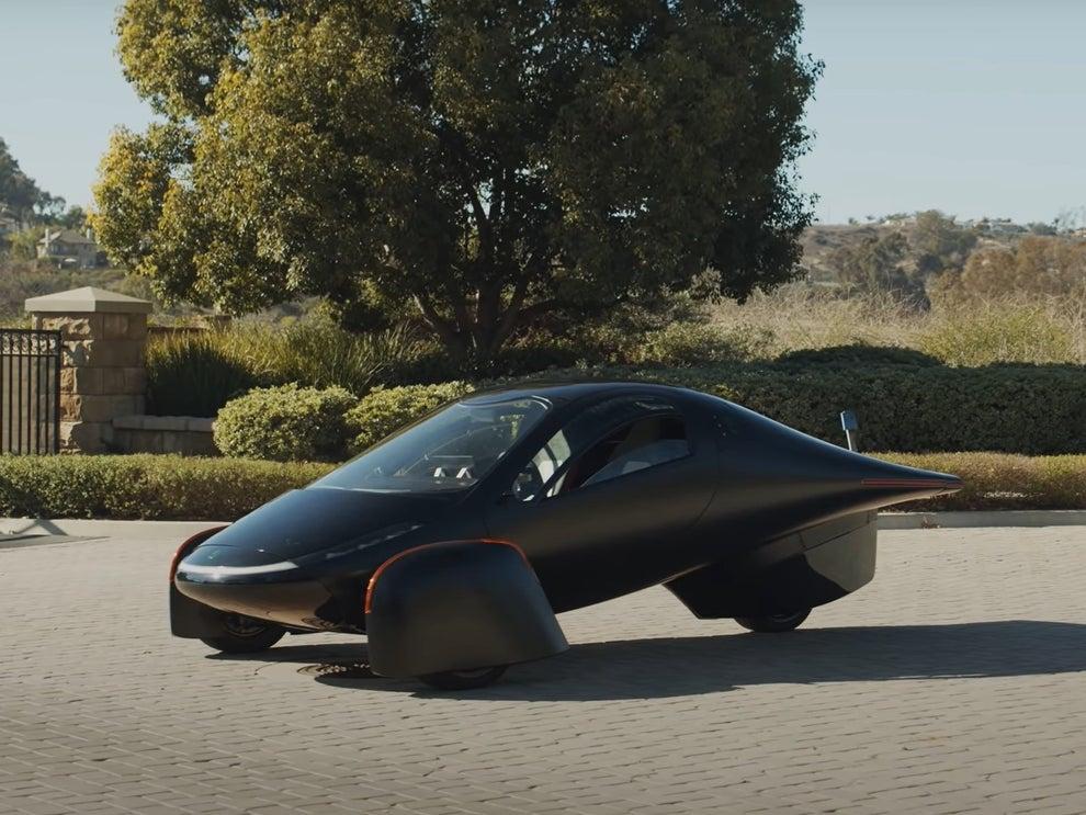 घामबाट चार्ज हुने इलेक्ट्रिक गाडी सार्वजनिक, २४ घण्टामा नै सबै यूनिट बिक्री