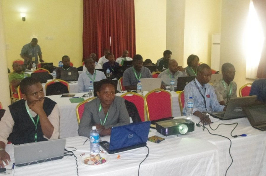 Cross section of participants in one of the tracks at ngNOG 2016