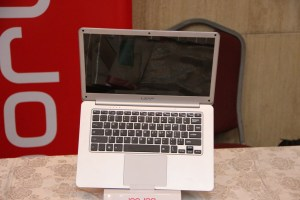 Innjoo Leap | World's slimmest laptop hedges 'power bank' charging feature 6