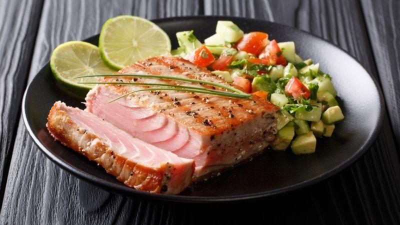 3 Tuńczyk czy łosoś: która ryba jest zdrowsza?