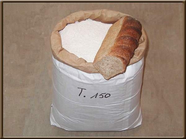 Une image contenant intérieur, beignet, alimentation, donut Description générée avec un niveau de confiance élevé