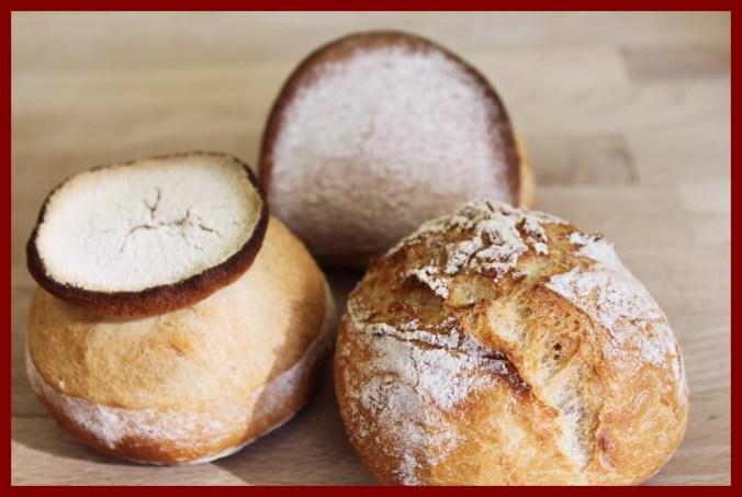 Une image contenant beignet, alimentation, donut, intérieur  Description générée automatiquement