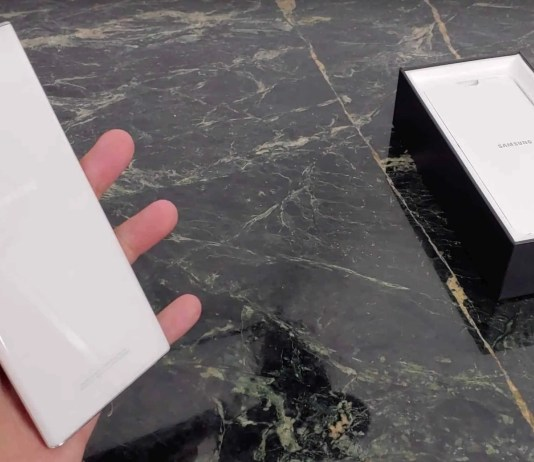 note-10-plus-unboxing-aura-white-box-cover