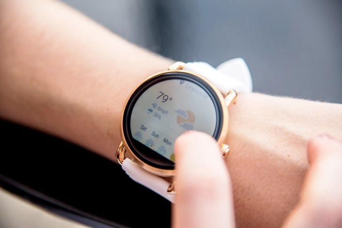 62cf34aa 8 Best Smartwatch For Women In 2019 (August Updated)