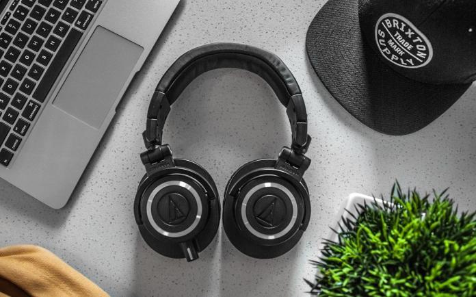 Top 7 wireless Headphones under Rs.3000 in India 2018
