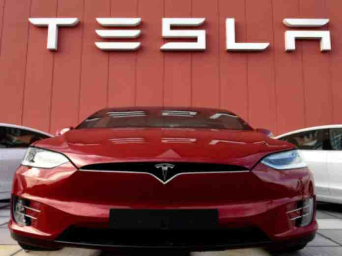 Tesla slapped with yet another lawsuit for messing with their cars batteries