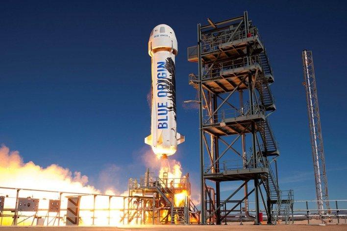 blue origin emekdaslari sirket raketlerini tehlukesiz hesab etmirler4491