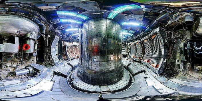 cinliler yeni termonuve reaktoru vasitesile artiq 10 ilden sonra suni gunes yaradacaqlarina soz veribler9872