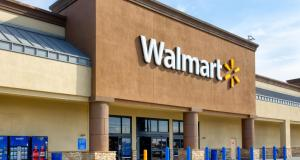 Walmart Tops the Fortune 500 List, Apple Goes Down to #4
