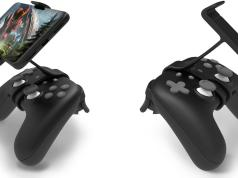 Claw is available for mounting your pixel phone to Google Stadia Controller