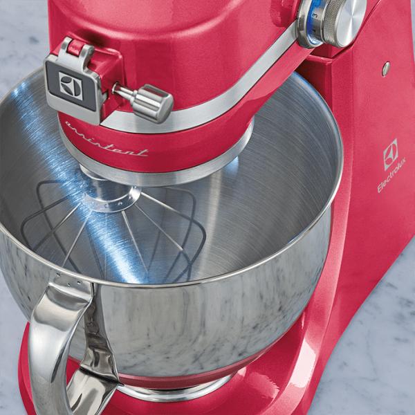 Kuhnenski robot Electrolux EKM4630 rozov planetaren mikser 5