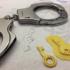 3D 列印技術複製鑰匙 成功破解軍警手銬