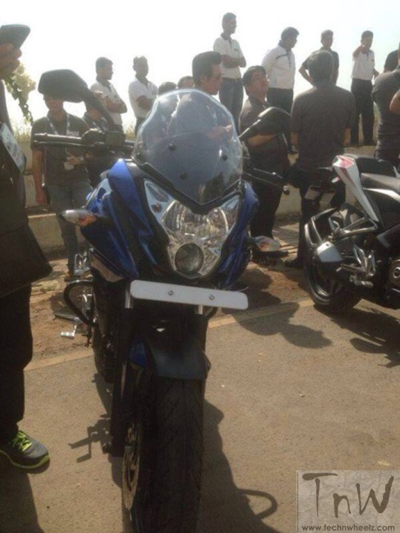 Bajaj Pulsar 200AS spy pic front