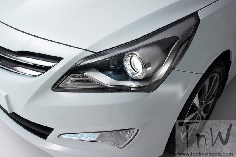 2015 Hyundai Solaris / Verna headlamp