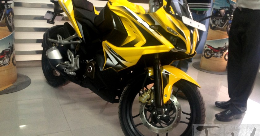 Bajaj launches Pulsar RS200 (Race Sport) @ INR 1.18 lakh