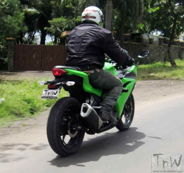 Kawasaki Ninja 300 rear three quarter