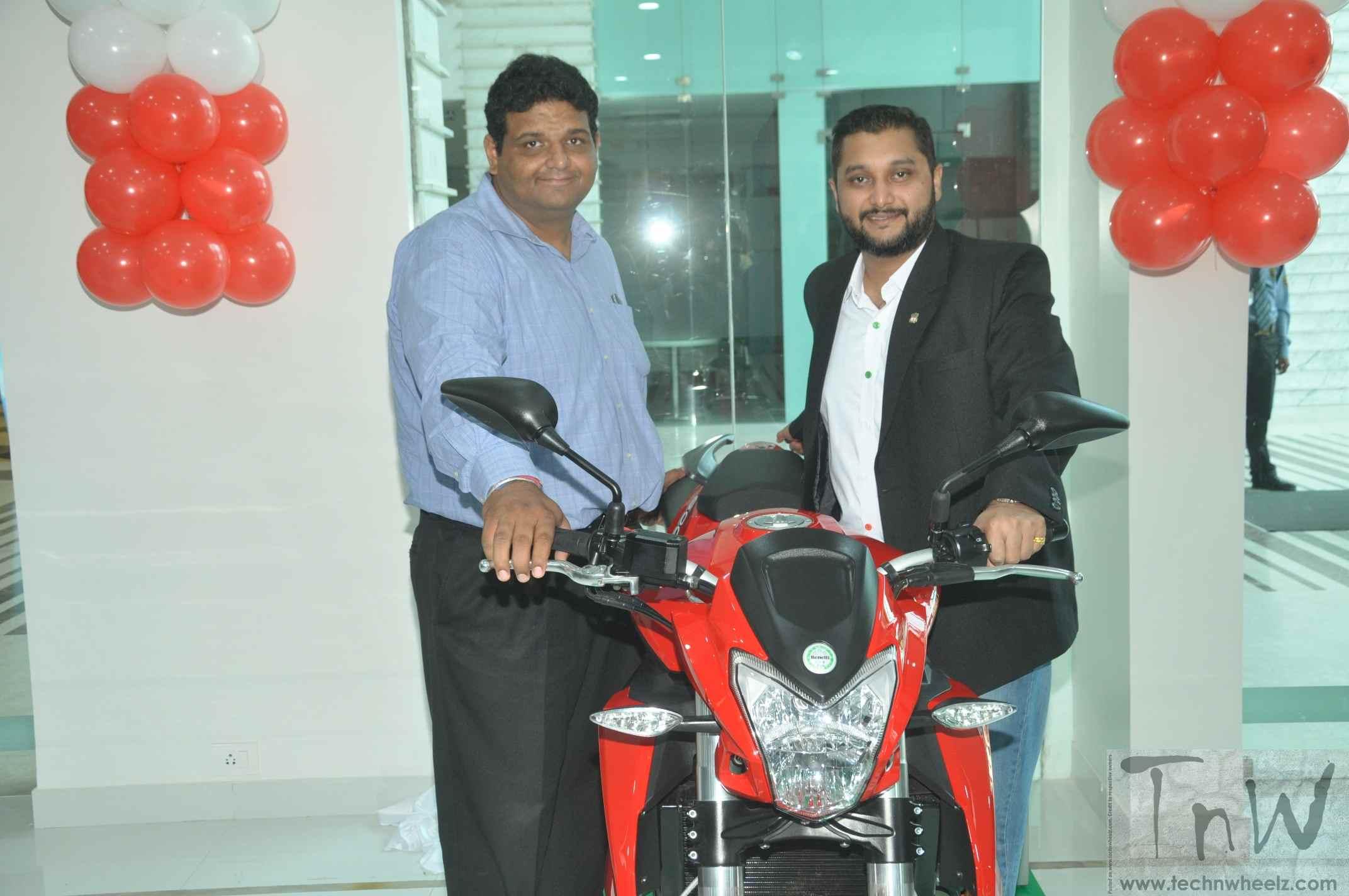 DSK Benelli inaugurates showroom in Kochi - BikeWale