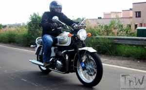 Triumph Bonneville T100 . Modernized Classic !!