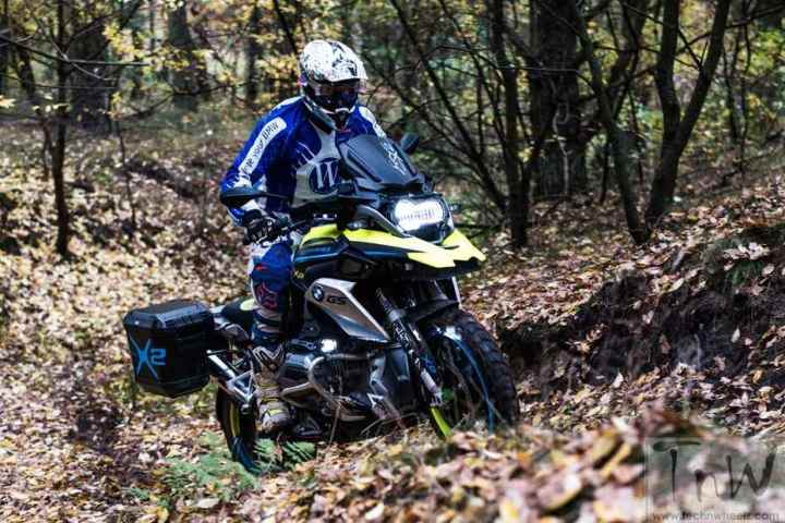 Two-wheel drive BMW R1200GS LC concept by Wunderlich