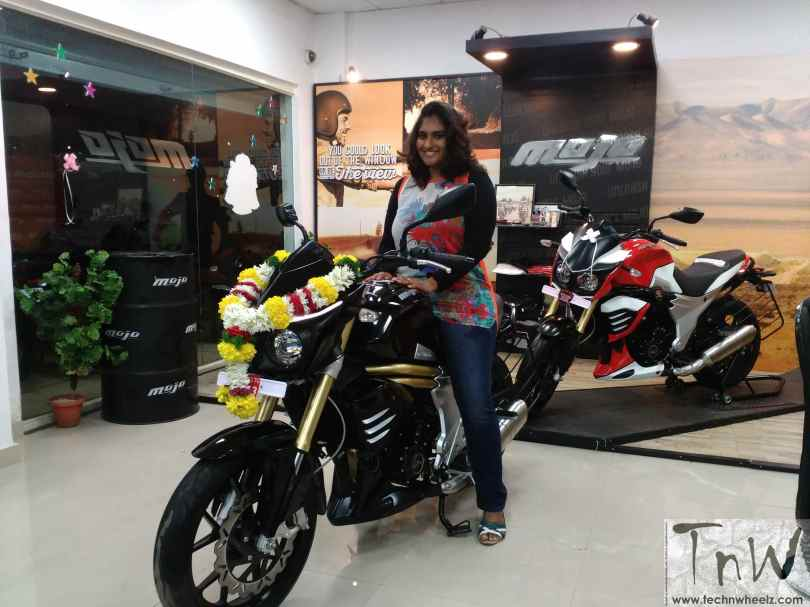 Afreen Sanaulla Mahidra Mojo owner (1)