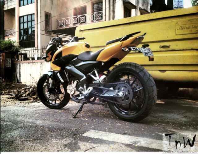 westland-customs-bajaj-pulsar-200ns-transform-12
