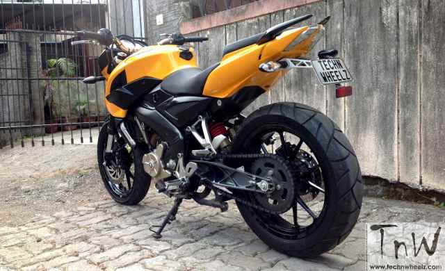 westland-customs-bajaj-pulsar-200ns-transform-16