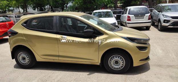 Tata Altroz XE High Street Gold