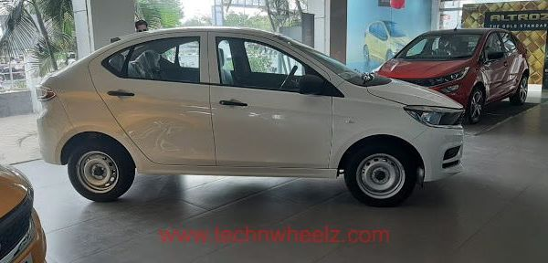 Tata Tigor XE Pearlscent White